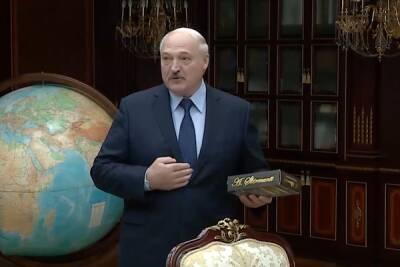 Лукашенко похвастался, что в Беларуси начали производить свой коньяк